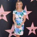 Reese Witherspoon – Eva Longoria Hollywood Walk Of Fame Ceremony in Beverly Hills - 454 x 649