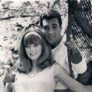 Tina Louise and Les Crane - 454 x 463