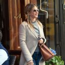 Jennifer Aniston – Leaves Nello Restaurant in New York - 454 x 485