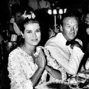 Grace Kelly and David Niven - 454 x 582