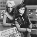 June Chadwick, Jane Badler, V series - 350 x 449