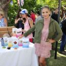Sarah Michelle Gellar – Foodstirs Host Kids in the Kitchen at The Grove in Los Angeles 10/02/2016