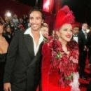Madonna And Carlos Leon - 279 x 400