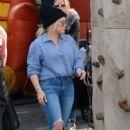 Hilary Duff at the Farmer's Market in LA - 454 x 681