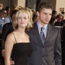 Reese Whiterspoon and Ryan Phillippe - The 8th Annual Screen Actors Guild Awards (2002) - 400 x 612