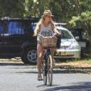 Elsa Pataky – Riding her bicycle in Byron Bay - 454 x 353